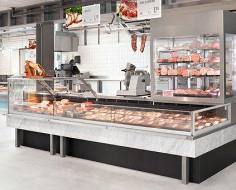 Custom-Counter-Fleisch-Abteilung-im-Supermarkt